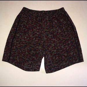 Men's Lululemon Shorts w/ Liner